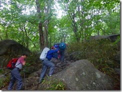 06急登の登山道