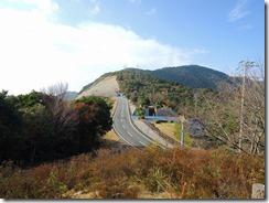 01空の公園より天空ロード元越山登山口を見る