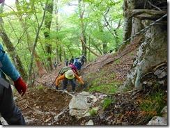 16鴨猪川分岐から天主山までの登山道はぬかるんで大変でした