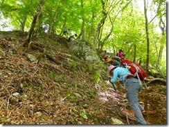 20下山です、登りではありません、下りなんですが滑るのでロープ頼りに下ります