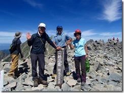 3-23前穂高岳(3090m)にて登頂写真、これでアルプス一万尺3座目です