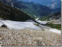 2-22白馬大雪渓を見下ろす