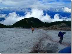 1-06雪渓を通過しました