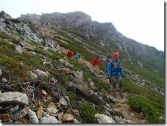 2-02山荘を出発して頂上を目指します