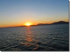 54フェリーから眺める落日IMG_2263