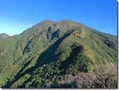 2-03テレビ塔から正面に御岳 その横に小さく妻岳