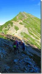 4-06爺ケ岳南峰を目指します