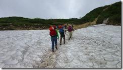 2-08雪渓通過
