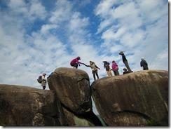 15ご神体石に登る
