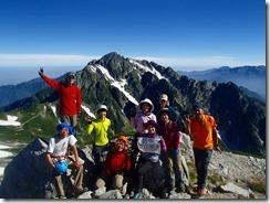 3-06別山東峰にて剱岳をバックに素晴らしい写真