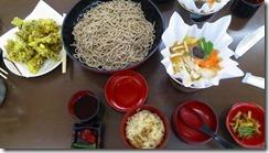 3-22今日の昼食、そば、天ぷらなど食べ放題です