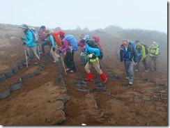 17火山礫の登山道