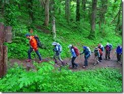 07登山中のメンバー